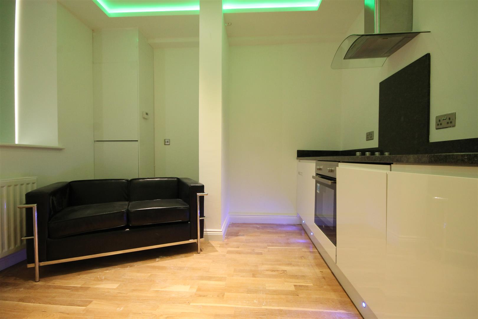 Falconars House City Centre, 1 Bedrooms  Apartment ,To Let